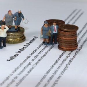 Le dilemme de Macron : on relance la réforme des retraites ou pas ?